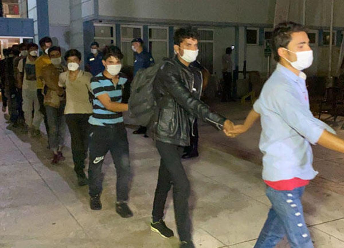 Bir TIR'ın dorsesinde yakalanan 173 kaçak göçmen, sınır dışı edilecek!