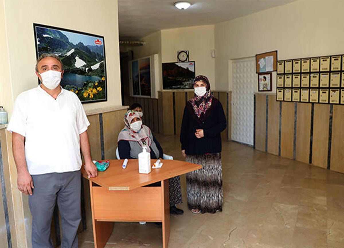 Rize'de bir apartmanda 'gönüllü karantina' uygulanıyor!