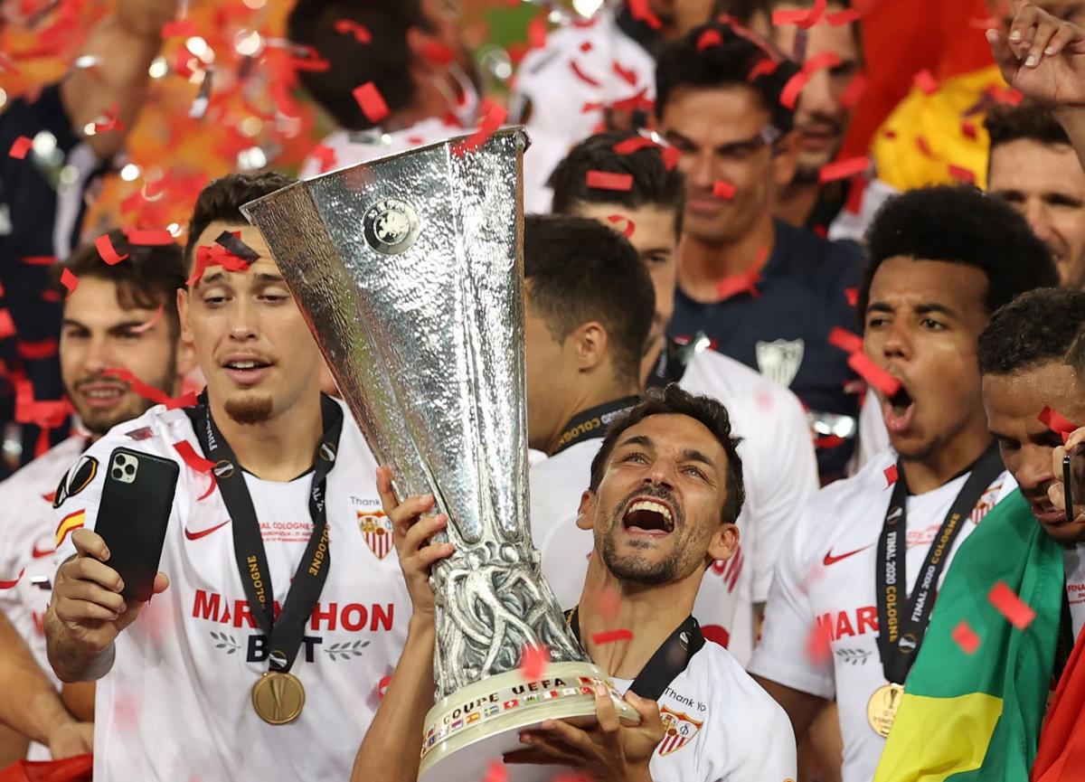 UEFA Avrupa Ligi finalinde Inter'i 3-2 yenen Sevilla, kupayı 6. kez müzesine götürdü