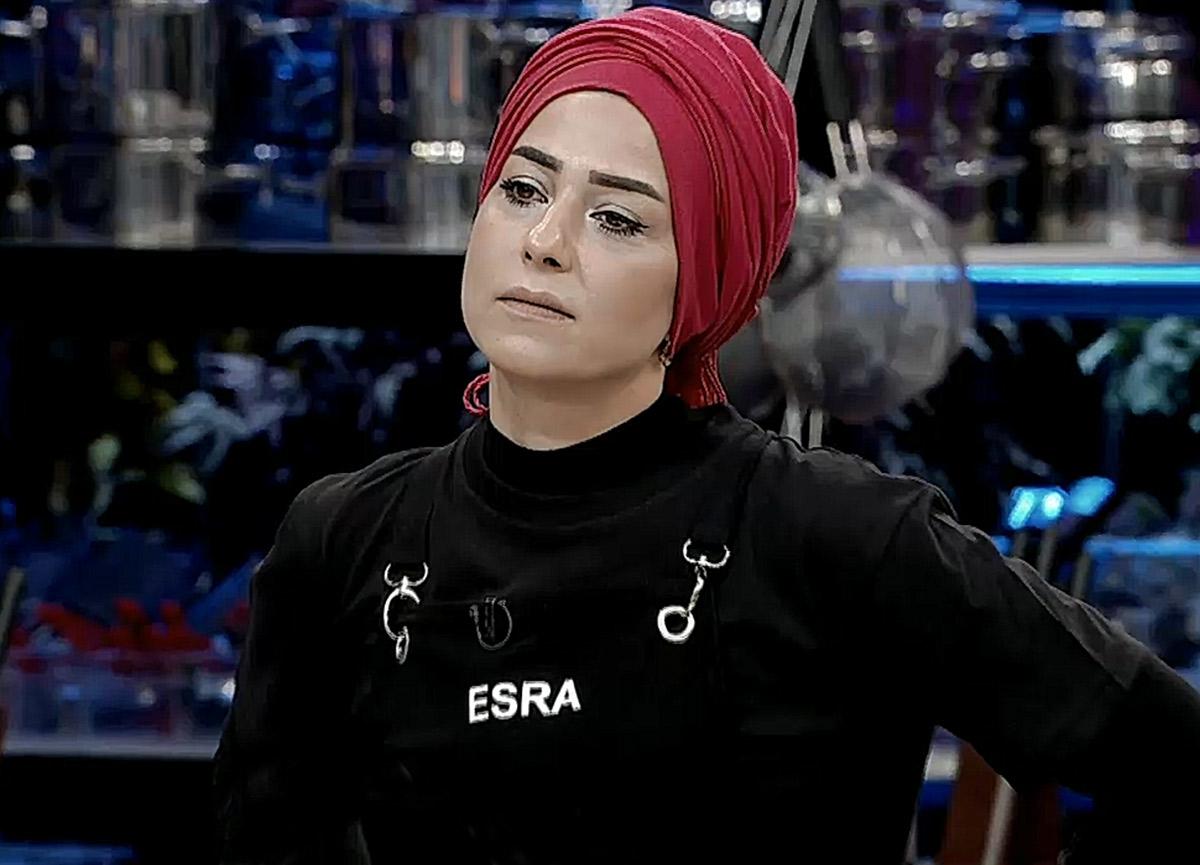 MasterChef Esra kimdir? MasterChef Türkiye eleme adayı olan Esra Tokelli kaç yaşında, nereli?