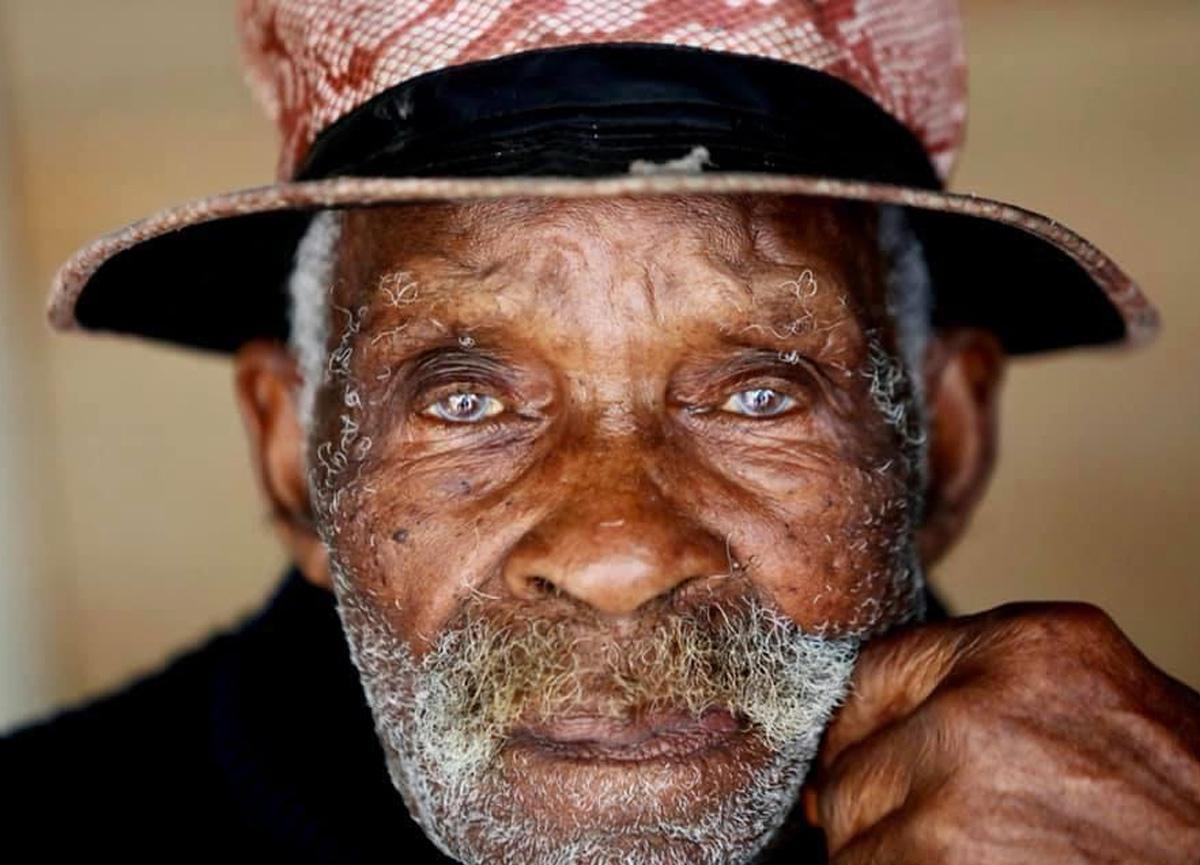 Dünyanın en yaşlı erkeği ünvanını taşıyordu! 116 yaşında hayatını kaybetti...