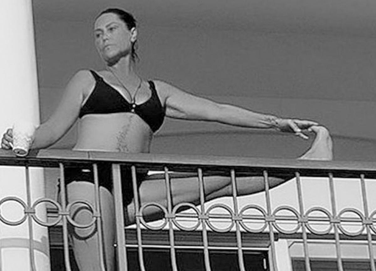 Hülya Avşar'ın balkon pozu sosyal medyayı salladı
