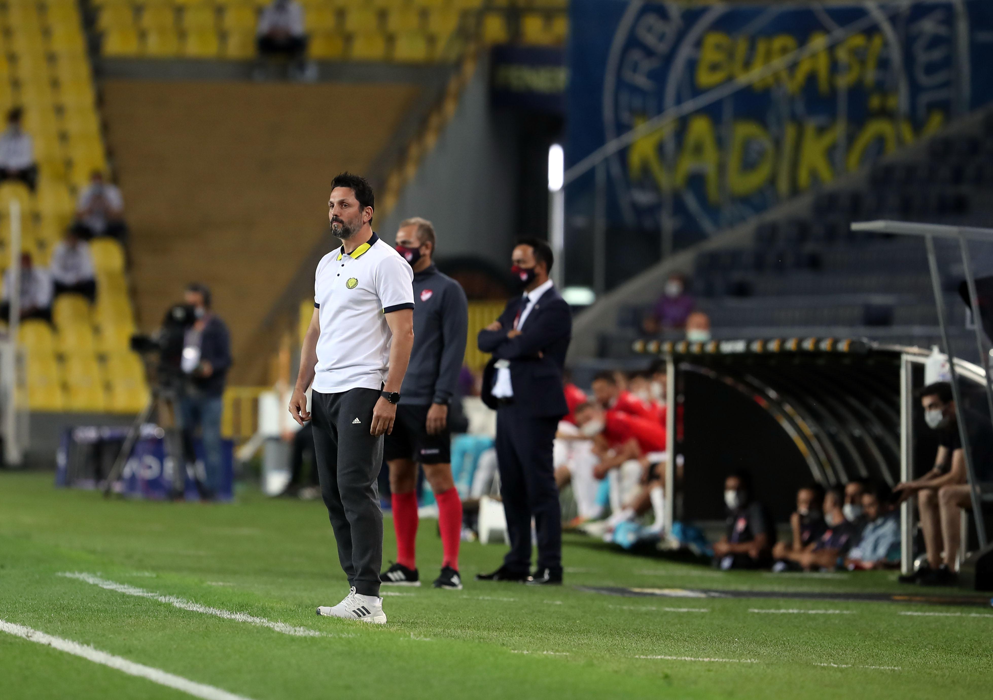 Fenerbahçe'de Erol Bulut kesin kararını verdi! 7 futbolcu kadro dışı kalacak...