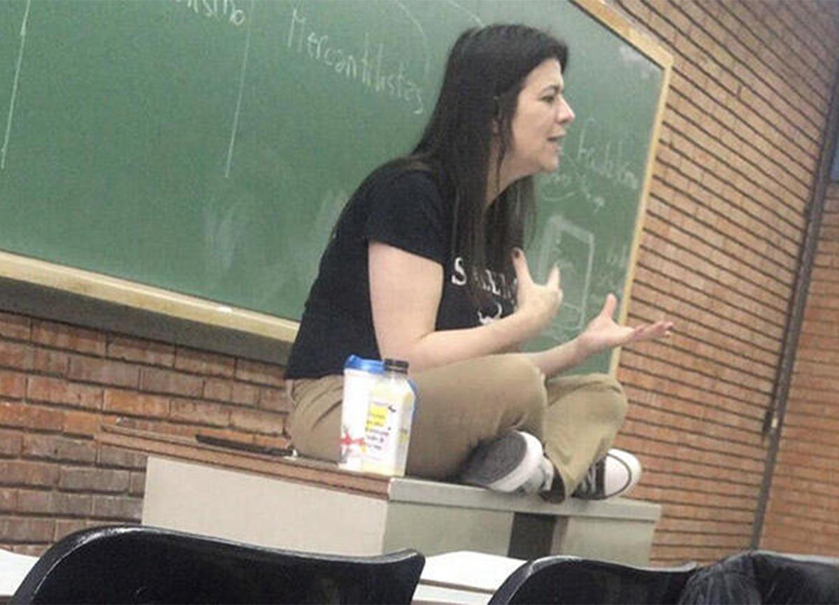 Koronavirüse yakalanan profesör, ders anlatırken hayatını kaybetti