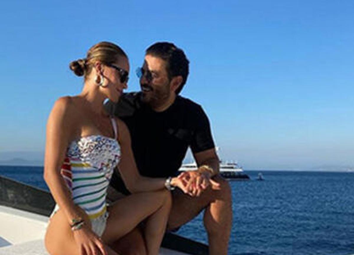 Uğur Akkuş'la birlikte tatil yapan Ebru Şallı, teknede çekilen fotoğraflarını paylaştı