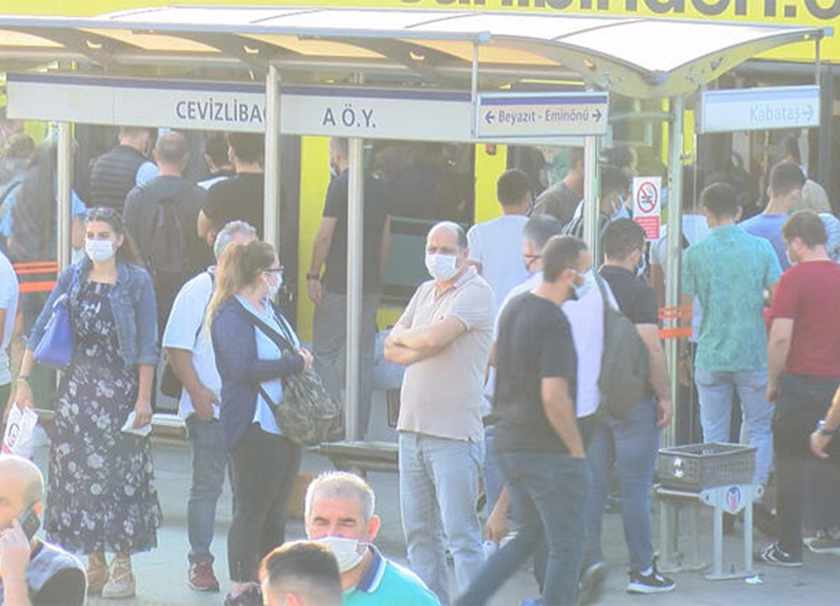 İstanbul'da toplu taşıma kurallarına uyuluyor mu? İşte o görüntüler!