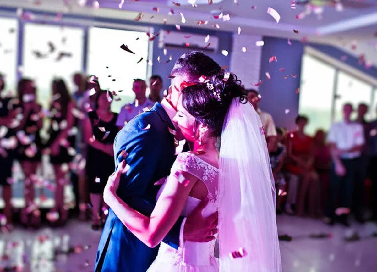 ABD'deki 60 kişilik düğün 7 kişinin ölümüne, 170 de vakaya neden oldu