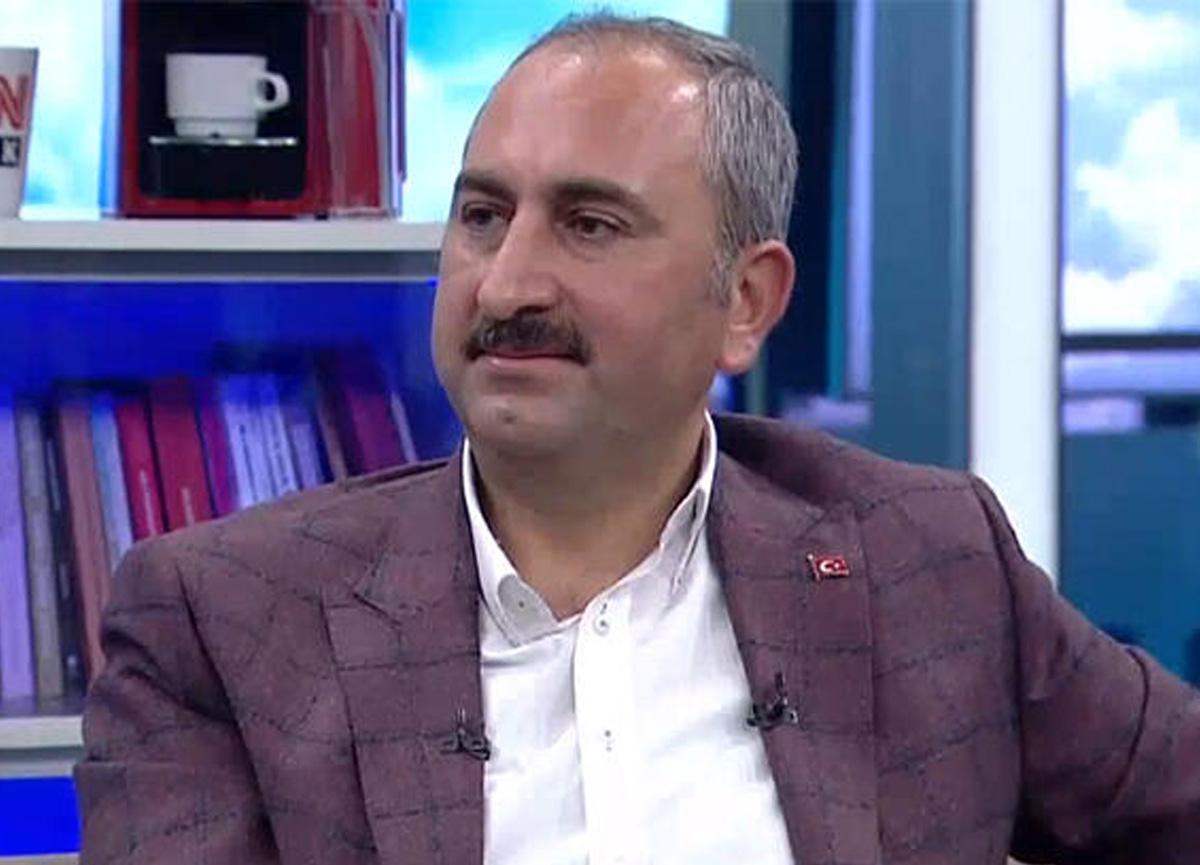 Bakan Gül'den Halil Sezai açıklaması! 'Bu bir vandallıktır'
