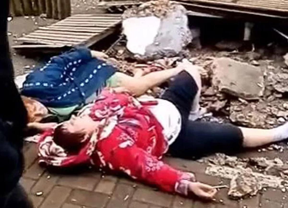 Rusya'da şoke eden olay! Balkon 2 kadının üzerine yıkıldı...