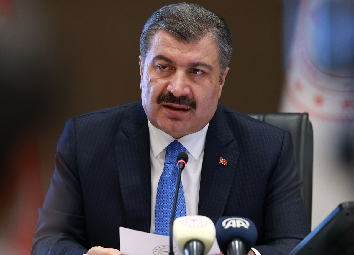 Bakan Koca açıkladı! Türkiye'de koronavirüs yüzünden son 24 saatte 61 kişi yaşamını yitirdi