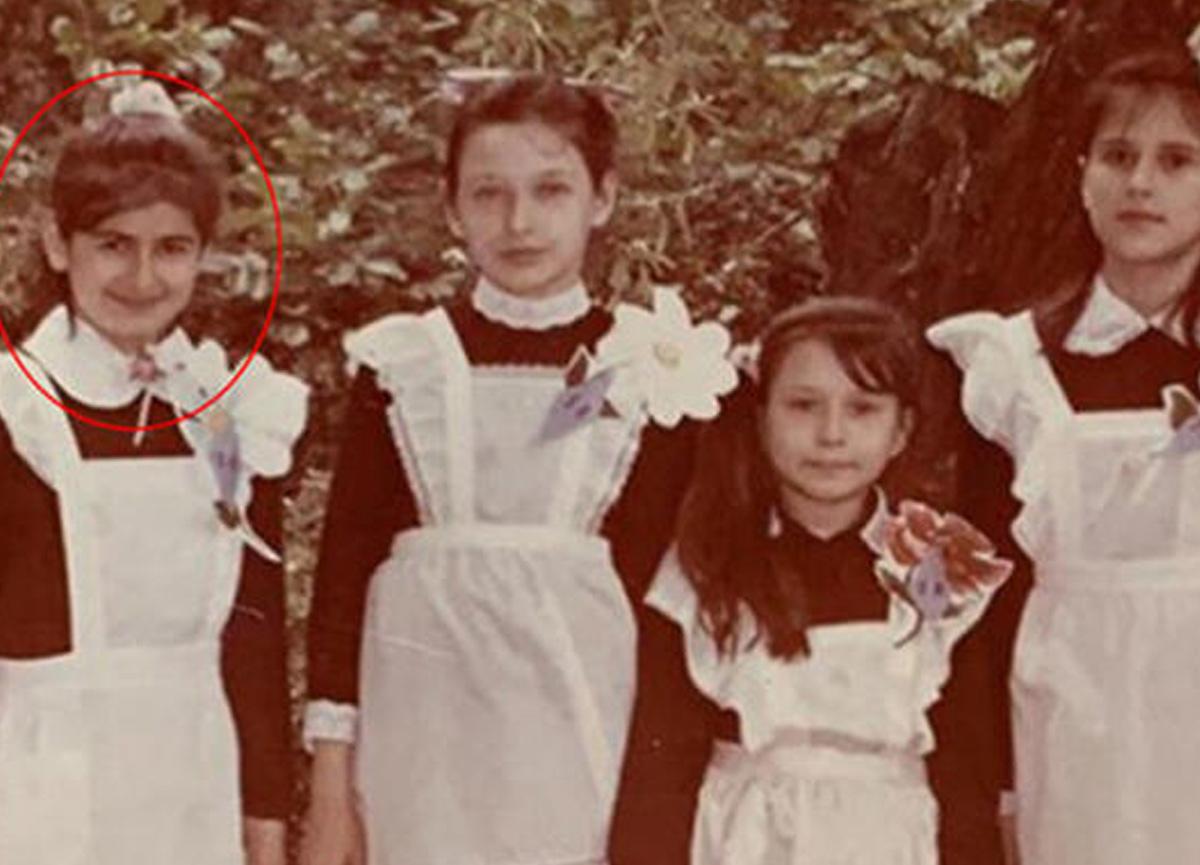 Güzel oyuncu Nesrin Cavadzade, çocukluk fotoğrafını takipçilerinin beğenisine sundu