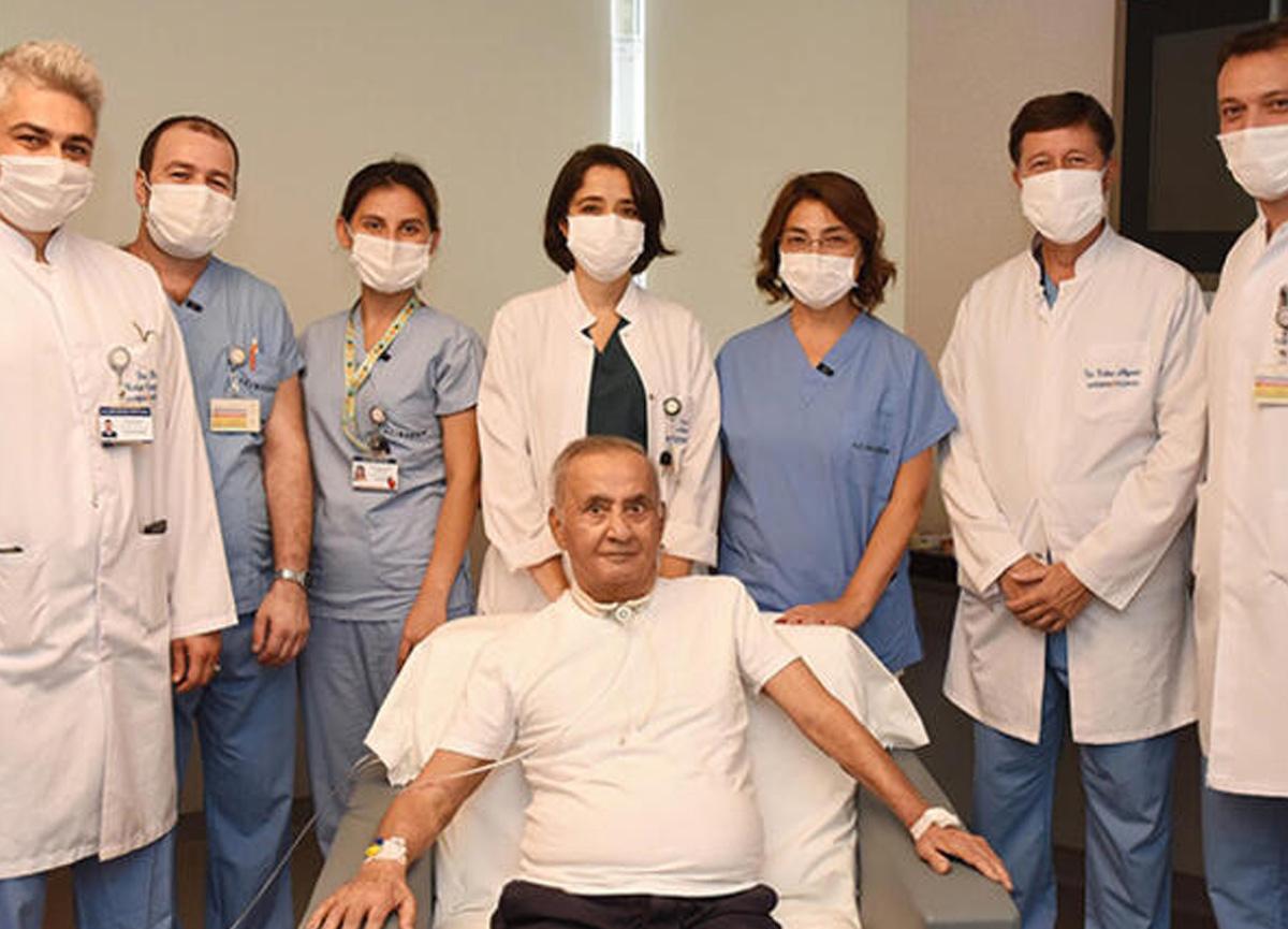 4 ay yoğun bakımda kalıp koronavirüsü yenen Oğuz Peker'e hastaneden 1.6 milyonluk fatura