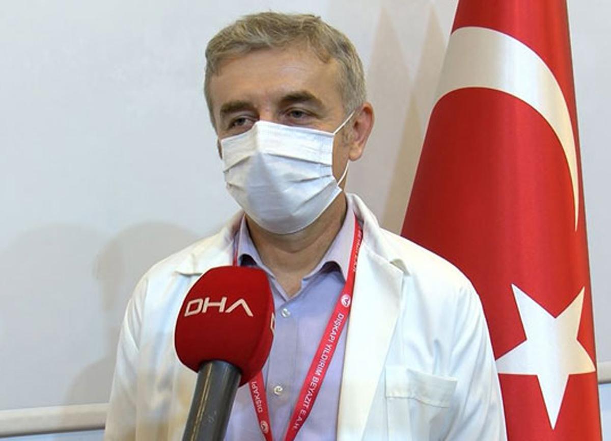 Prof. Dr. İbrahim Akdağ maskelerin aşı etkisi yarattığına dair yapılan yorumları değerlendirdi