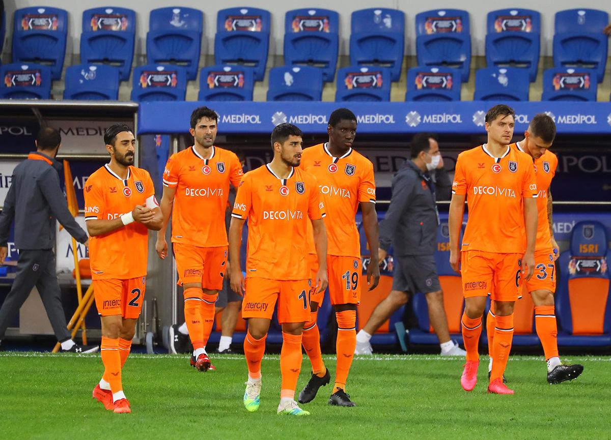 Son şampiyon Başakşehir 3'te 0 yaptı: Karagümrük - Başakşehir: 2-0