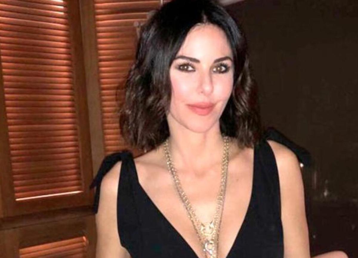 Defne Samyeli'nin file elbiseli pozu sosyal medyada olay oldu