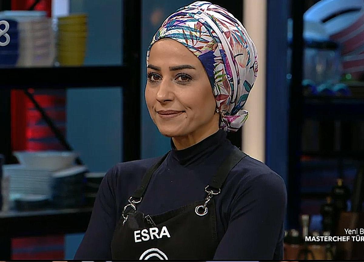 MasterChef Esra kimdir? MasterChef 2020 haftanın ilk eleme adayı olan Esra Tokelli kaç yaşında, nereli?