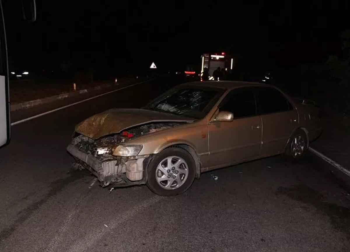 Manisa'da feci kaza! 7 kişi yaralandı, 15 koyun telef oldu...