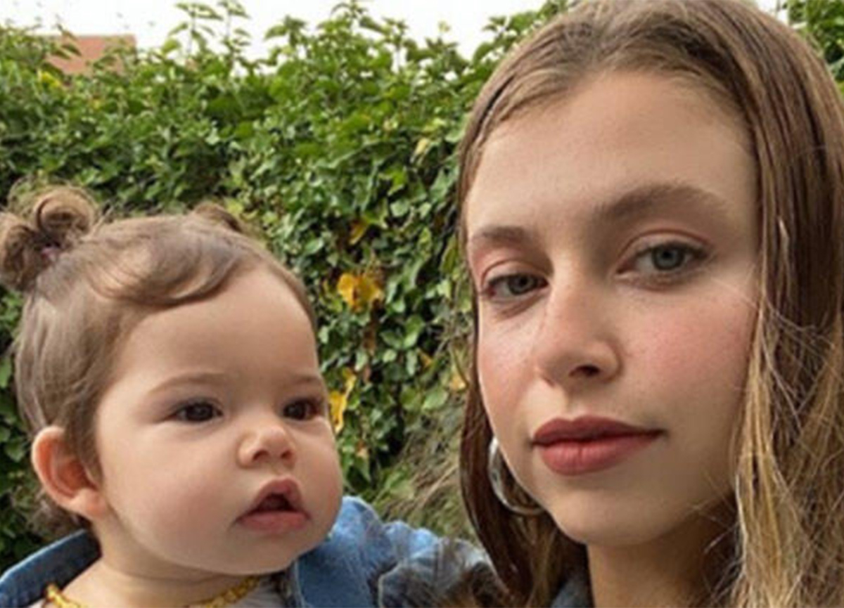 Hande Erçel'in ablasından 10 aylık kızı Mavi'yle paylaşım!