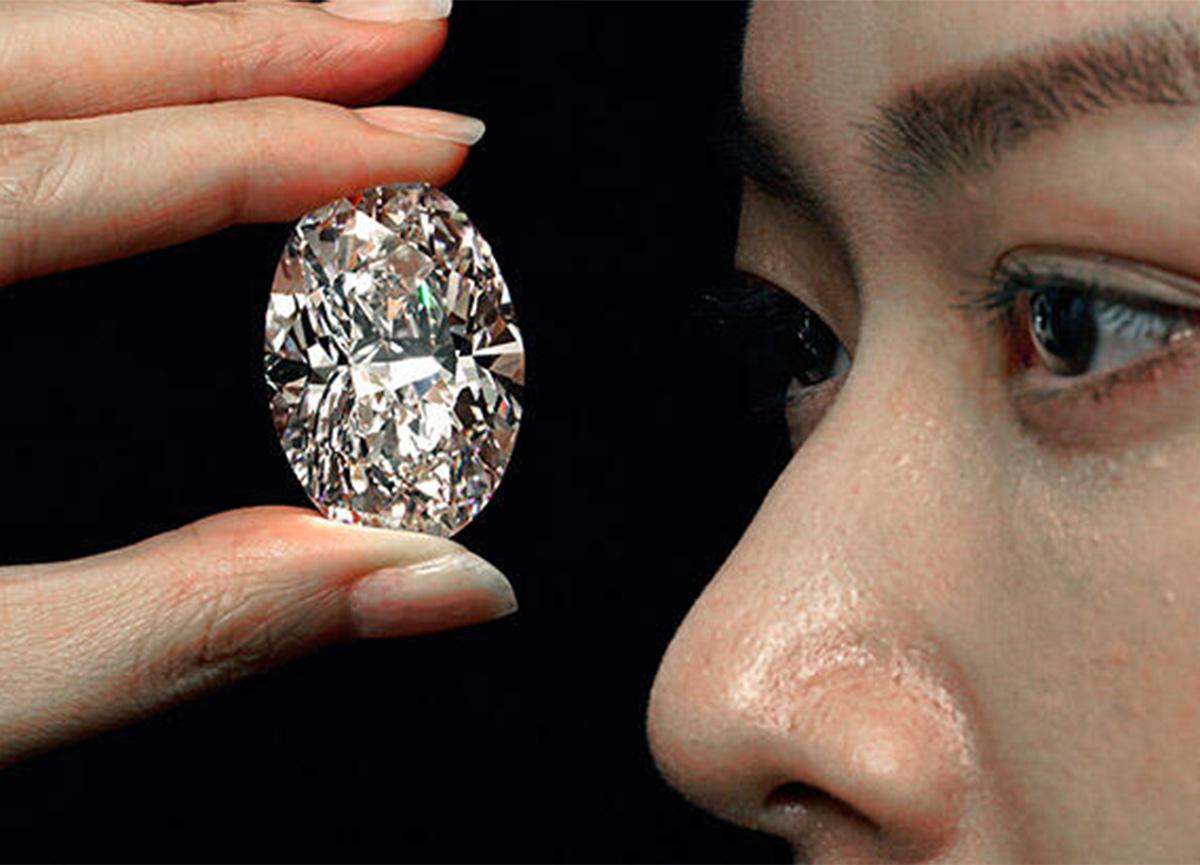 271 karat elmastan kesilen pırlanta, 15, 7 milyon dolara satıldı