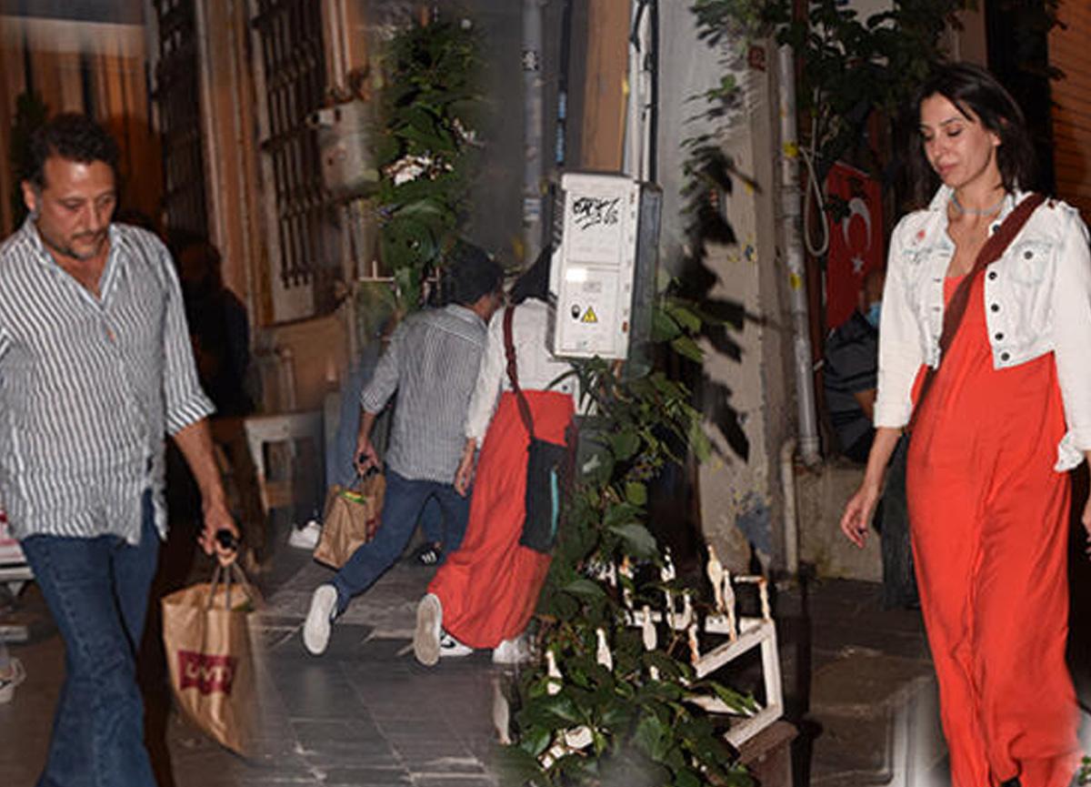 Oyuncu Yiğit Özşener Asmalımescit'te bir kız arkadaşıyla görüntülenince kaçmaya çalıştı