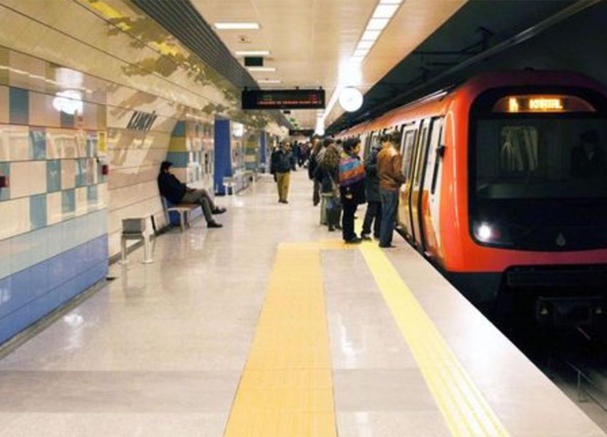 Üsküdar'da metroda feci olay! Raylara atlayan kişi ağır yaralandı!