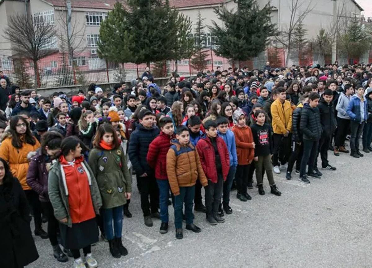 Bilim Kurulu Üyesi Prof. Dr. Hasan Murat Gündüz okulların açılmasıyla ilgili flaş uyarı!