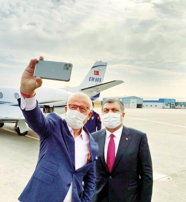Sağlık Bakanı Fahrettin Koca, koronavirüs aşısıyla ilgili müjdeyi verdi: Salı günü...