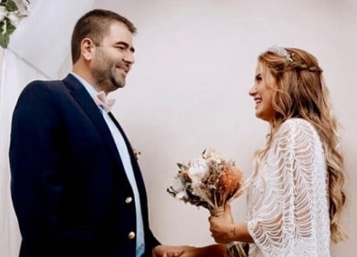 Ceyda Ateş, eşi Buğra Toplusoy ile 2. evlilik yıl dönümünü sosyal medya hesabından yaptığı paylaşımla kutladı