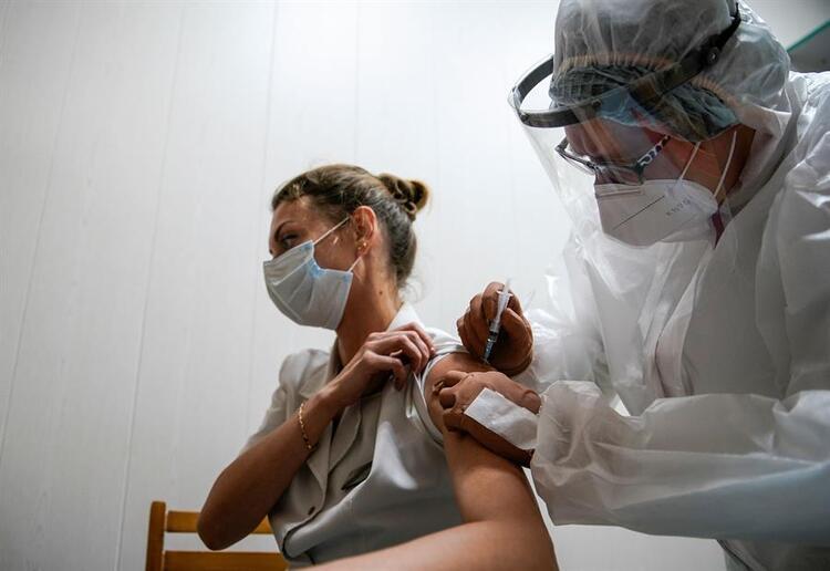 100 yıllık aşıdan gelen haber şoke etti! Dünya Covid-19 aşısı beklerken...