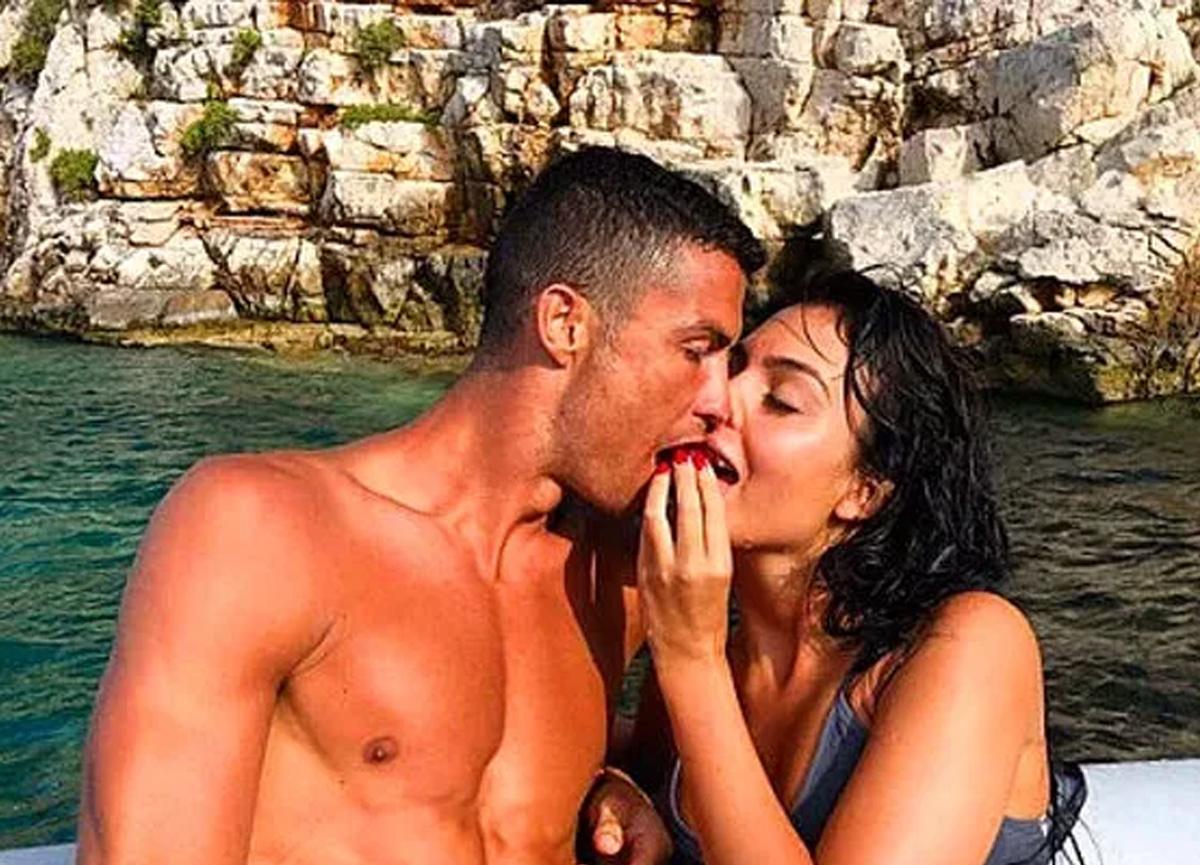 Koronavirüse yakalanmıştı! Cristiano Ronaldo'nun yaptığı hareket herkesi şaşırttı...
