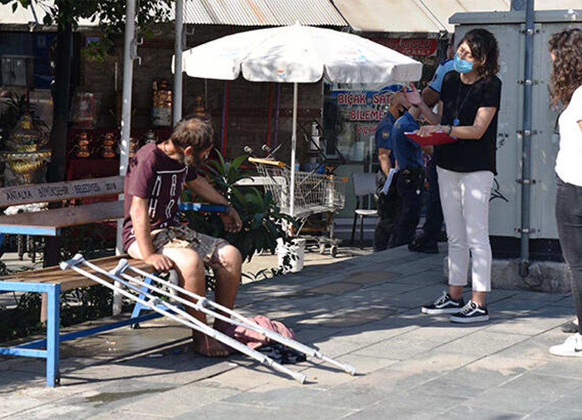 Antalya'da şaşırtan olay! 'Tuvaletini yapıp üstüne yatıyor'