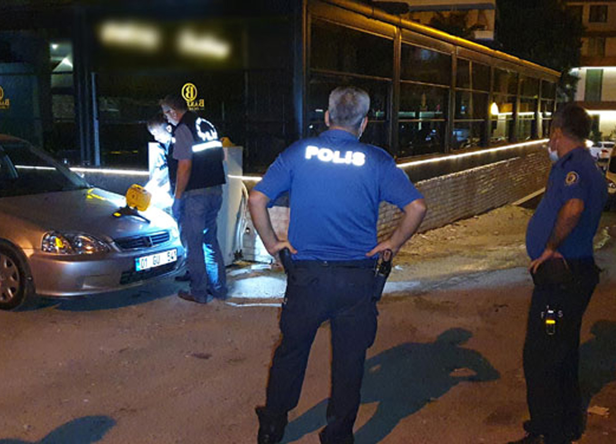 Adana'da bir restoranda, 'Sana daha çok şarkı çalındı' kavgası çıktı! 5 kişi yaralandı
