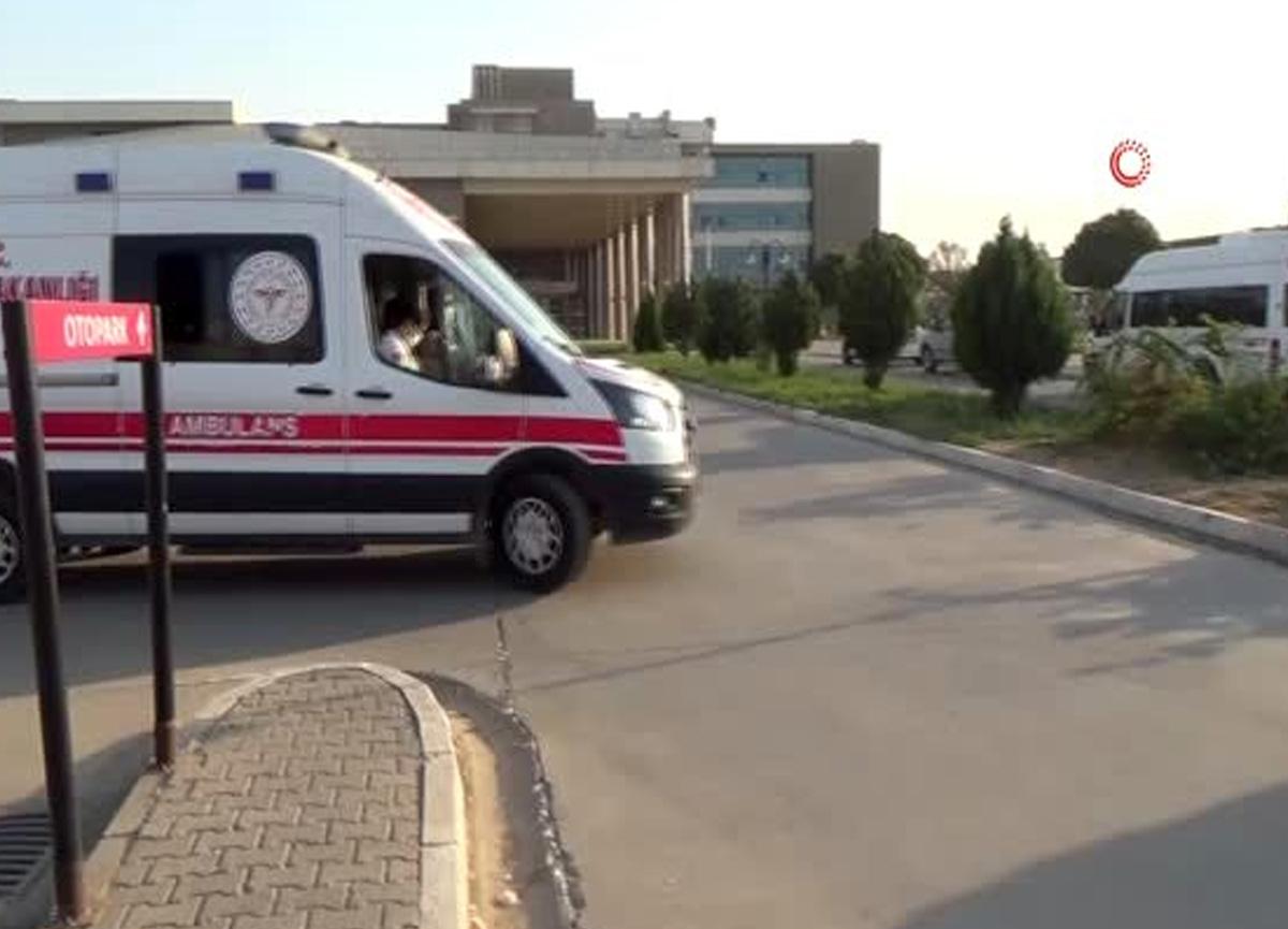 Hızını alamadı, beton direğe çarptı: 2 ölü, 20 yaralı
