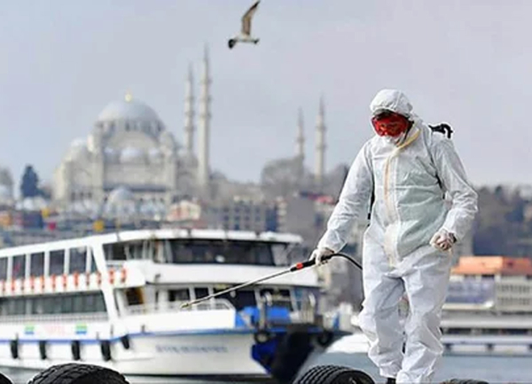 Kış mevsiminin gelmesiyle birlikte Türkiye'de koronavirüs salgınında yeni önlemler için harekete geçildi