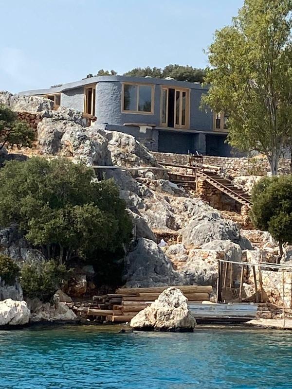 İngiliz şirketin Üçağız Yarımadası'ndaki villa inşaatına tepki geldi!