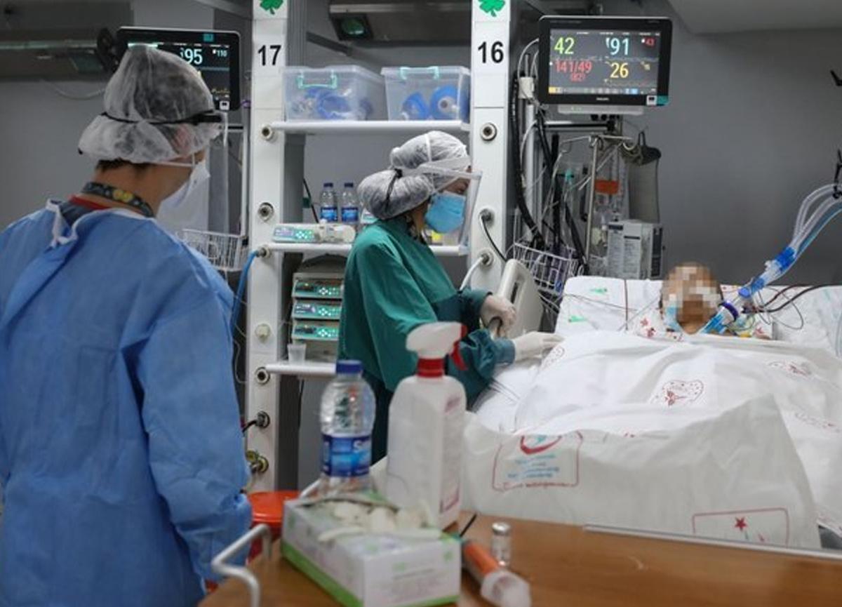 Bilim Kurulu Üyesi Doç. Dr. Afşin Emre Kayıpmaz, koronavirüs salgınının yayılımına karşı uyarıda bulundu