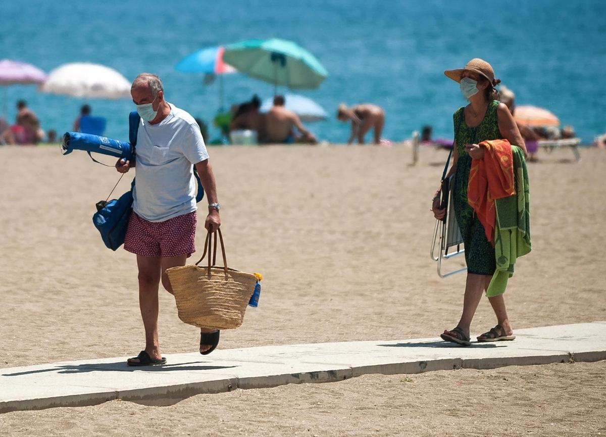 Dünya Tabipler Başkanı: Normalleşme yıllar alacak, 2021'de de normal bir yaz tatili yapamayacağız