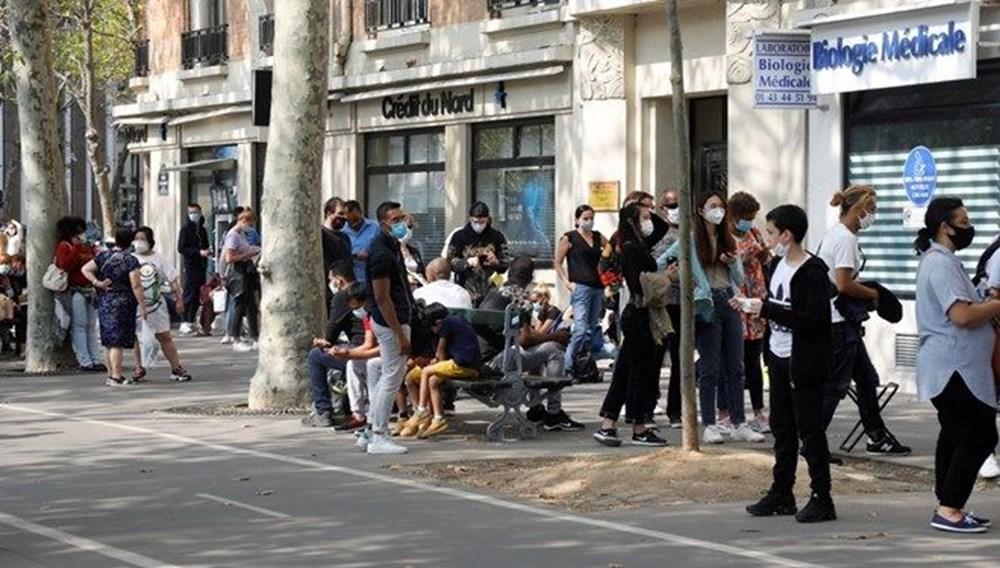 Avrupa ülkesinde korkutan tablo! 'Günlük vaka 100 bini aşmış olabilir'