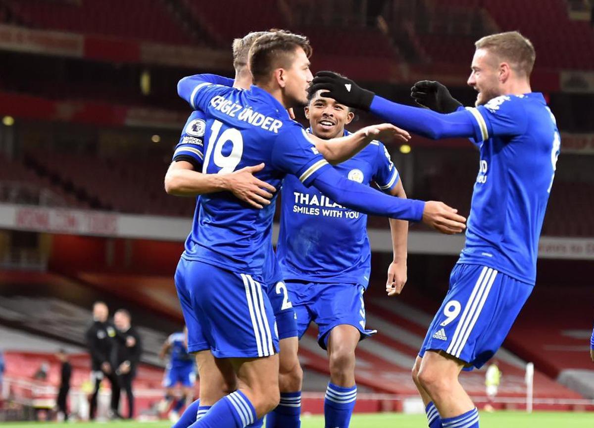 Cengiz Ünder'in ilk asistini yaptığı karşılaşmada Leicester City 47 yıl sonra Arsenal'i mağlup etti