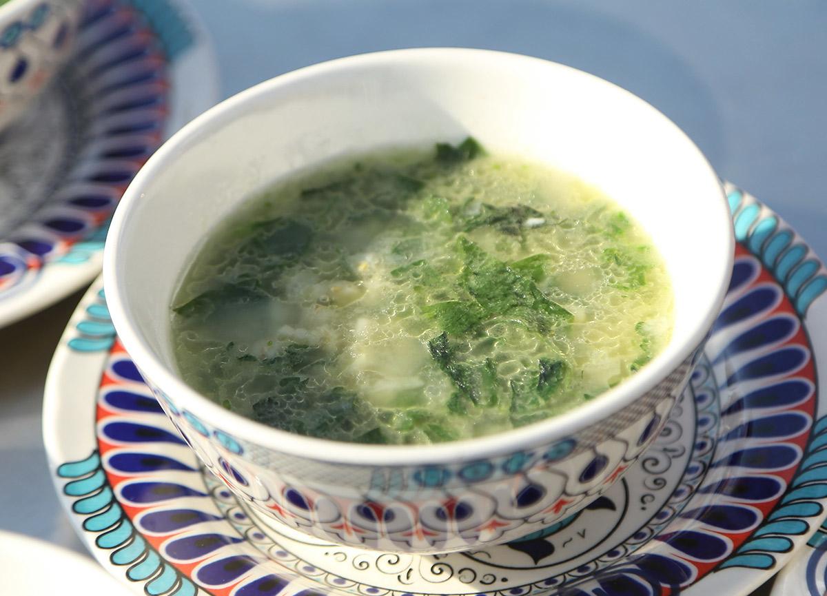 Yarma buğdaylı ısırgan pazı çorbası nasıl yapılır? 29 Ekim MasterChef buğdaylı ısırgan pazı çorbası tarifi
