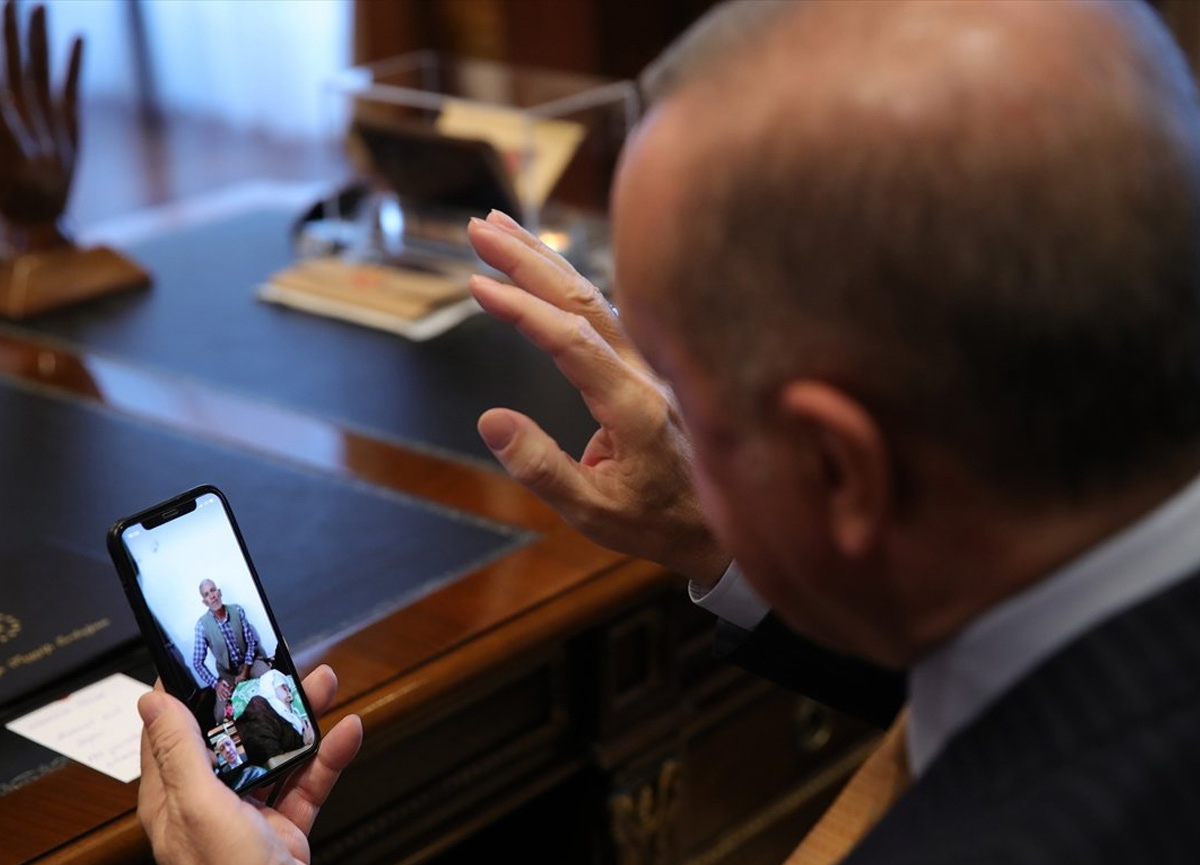 Cumhurbaşkanı Erdoğan'dan 120 yaşındaki Menica Encü'ye sürpriz telefon...
