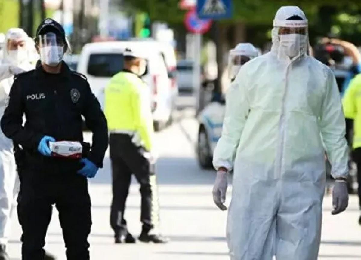 Sakarya Valisi Çetin Oktay Kaldırım, koronavirüs salgınının şu ana kadarki en yüksek seviyede olduğunu söyledi
