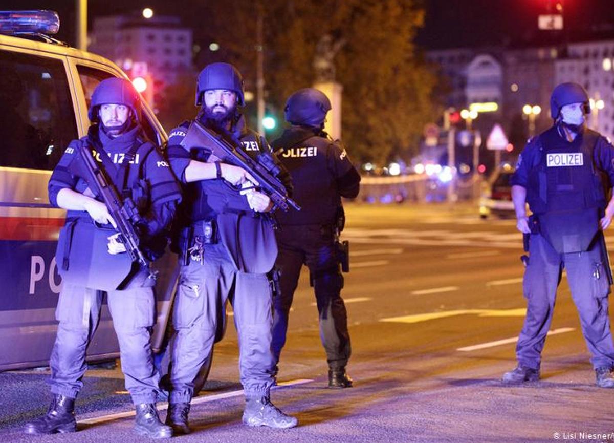 Viyana'da 6 ayrı noktada terör saldırısı: 3 kişi hayatını kaybetti, 15 yaralı