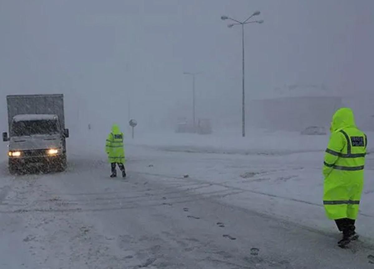 Meteoroloji bazı iller için sağanak yağış ve kar uyarısında bulundu