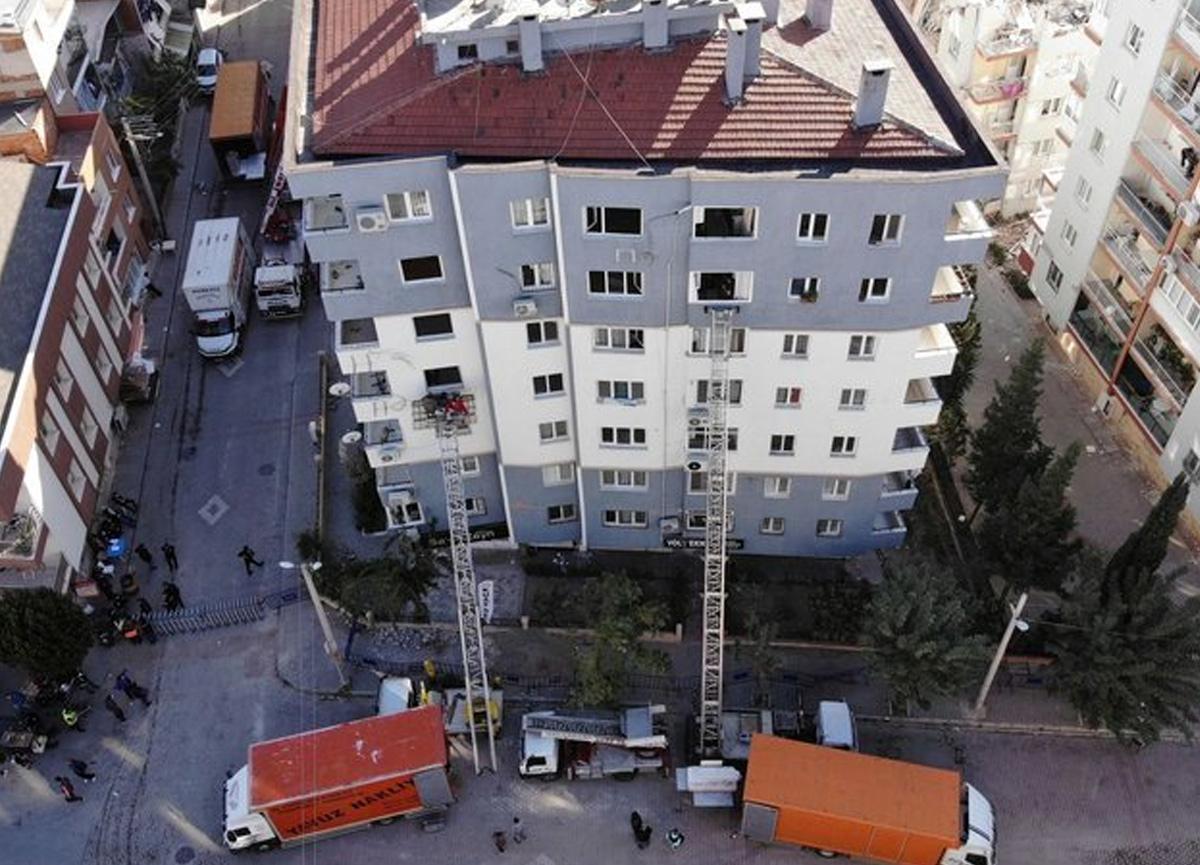 İzmir'deki depremzedelere emlak dolandırıcısı şoku!