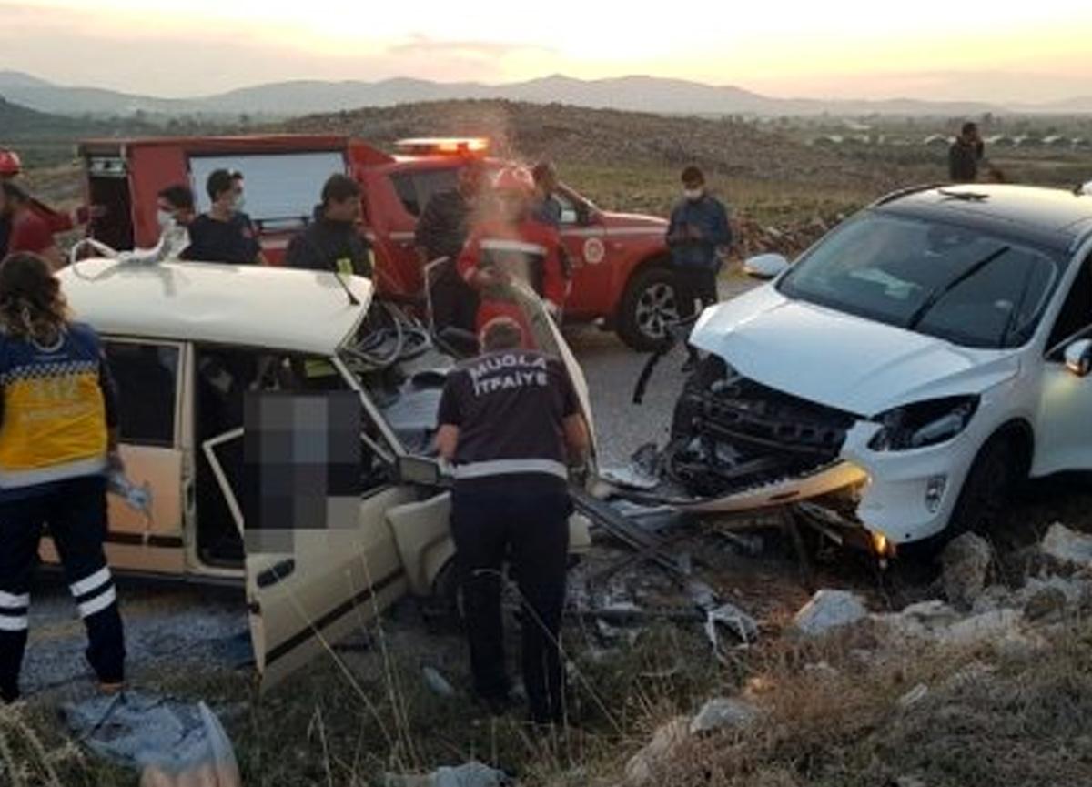 Milas'taki kazada ortalık savaş alanına döndü! 1 ölü, 3 yaralı