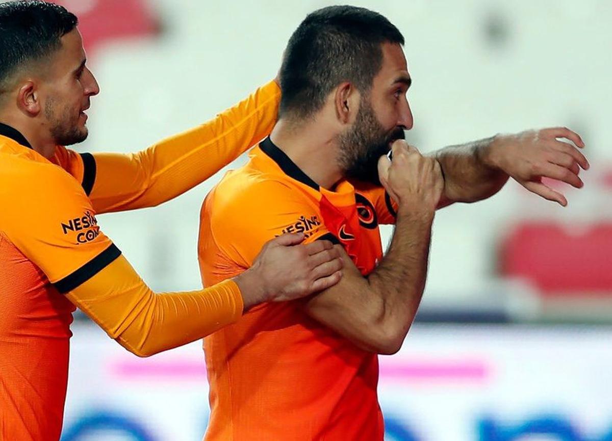Maç sonu gözyaşlarını tutamamıştı! Fatih Terim'den Arda Turan'a yeni görev