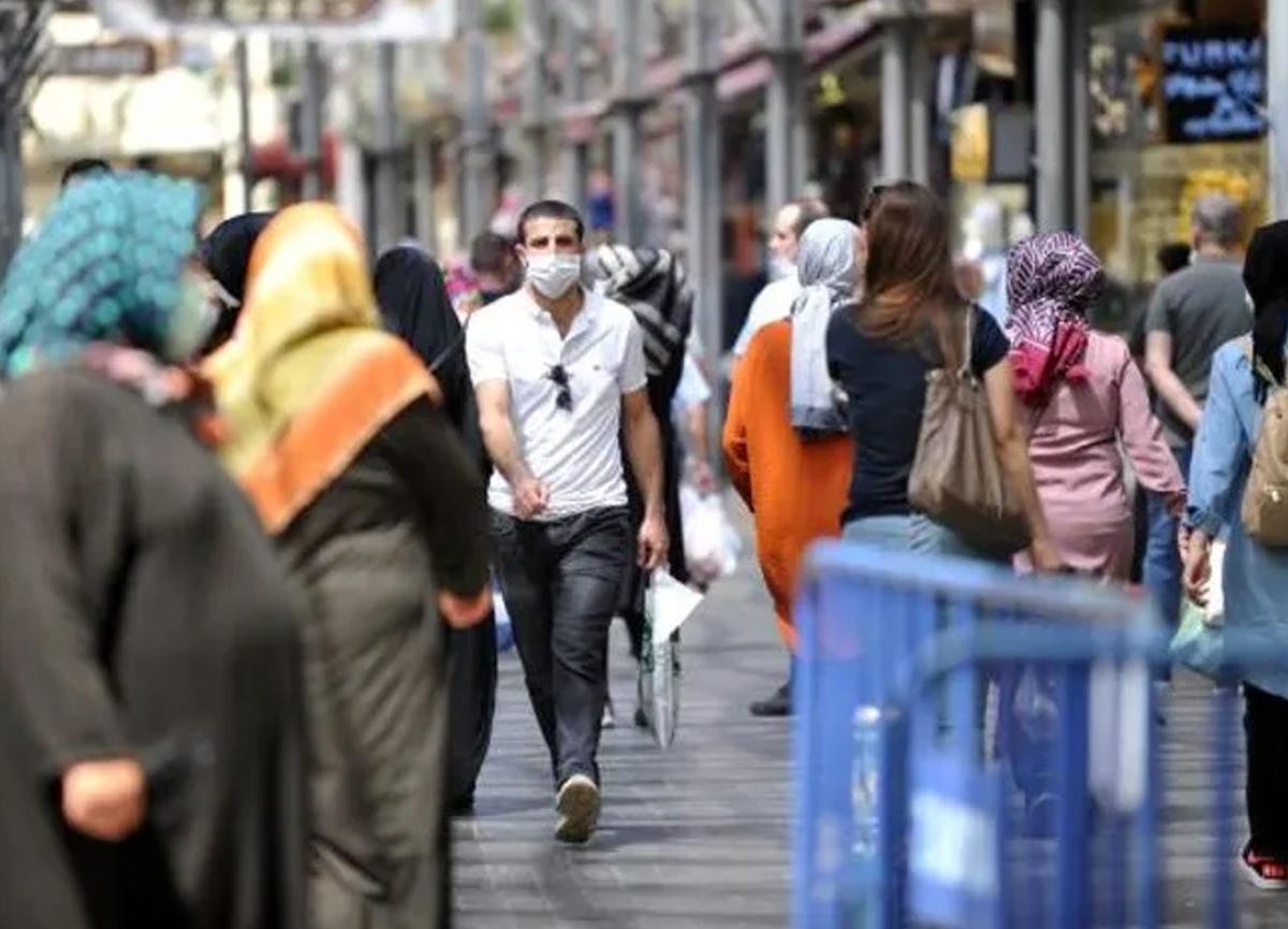 Bursa'da flaş koronavirüs yasağı! Yürürken sigara içmek yasaklandı...
