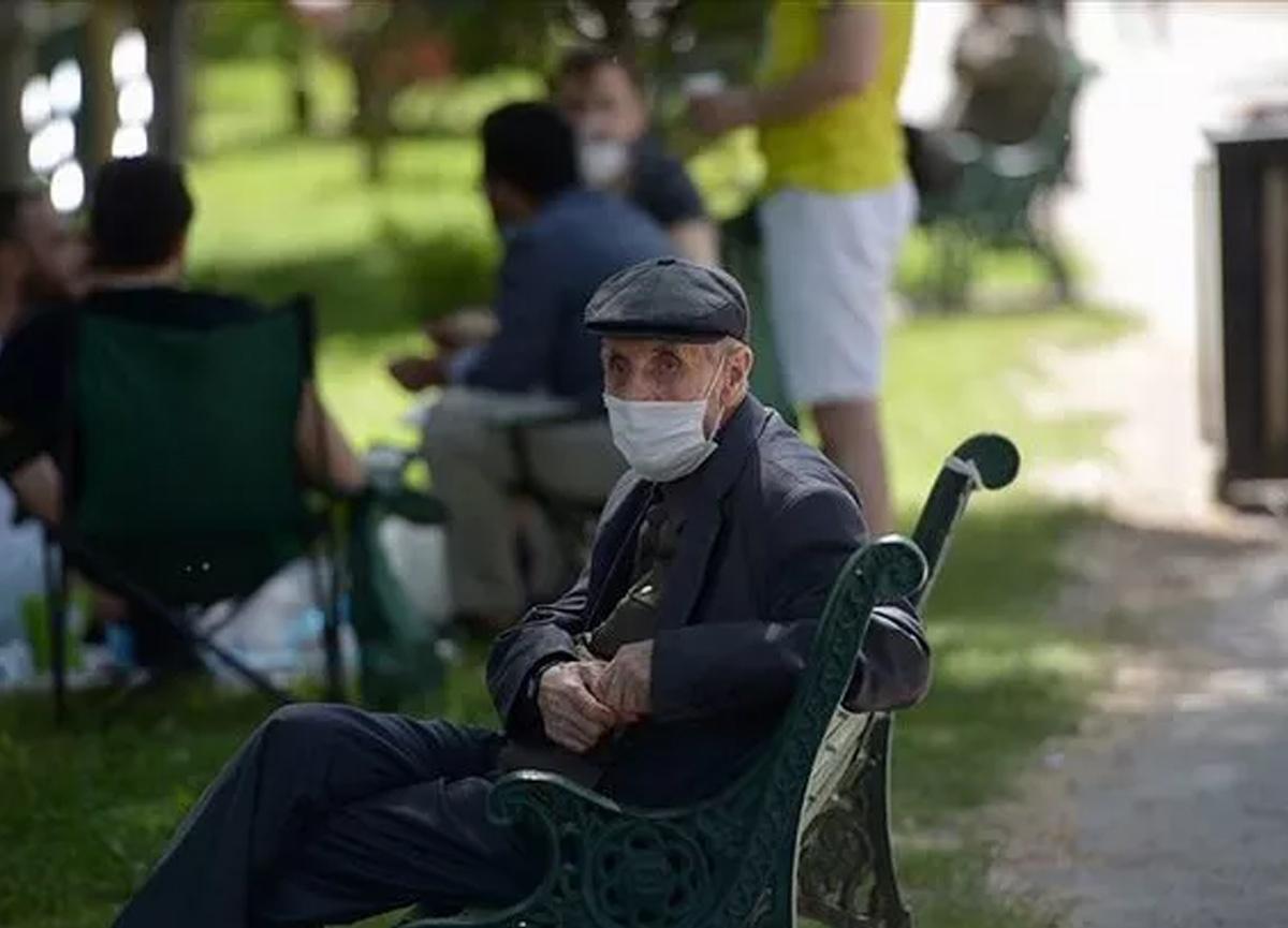 Denizli'de yeni koronavirüs tedbiri! 65 yaş ve üstü vatandaşlara sokağa çıkma yasağı geldi