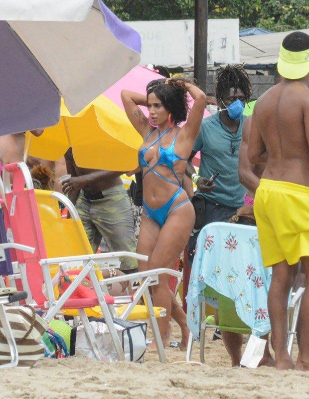 Rio sahillerini birbirine kattı! Anitta klip çekiminde ilgi odağı oldu